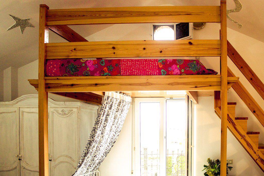 Dormitorio principal con servicio de cuna villa cristina for La cama de matrimonio